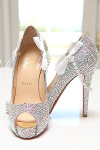 sparkly wed shoe